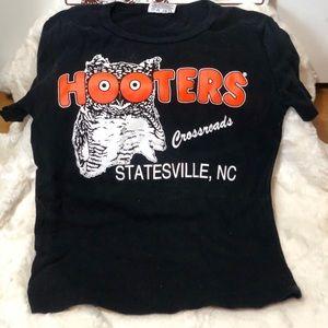 Hooters girl Tshirt 🦉